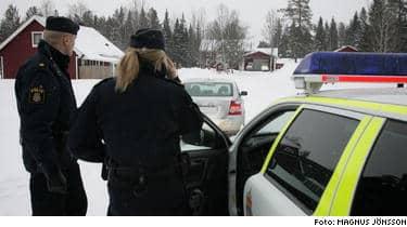 Polisen arbnetar nu intensivt för att stärka bevisläget mot en misstänke mannen. Niklas LIndgren nekar till brott.