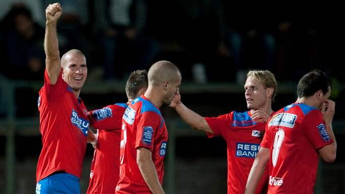 Mattias Lindström och lagkamraterna i Helsingborgs IF gick ut och firade cupguldet i Malmö efter Fotbollsgalan 2010. Foto: DANIEL STILLER