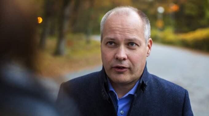 """""""Det finns en del regler som är viktiga att hålla på, det finns andra som man ibland kanske kan vara beredd att tänja lite på"""", säger migrationsminister Morgan Johansson, S. Foto: Henrik Jansson"""
