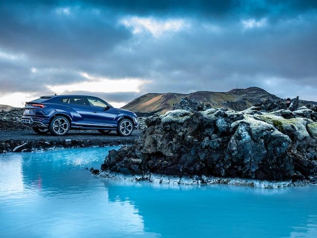 Island. Och en Lamborghini Urus.