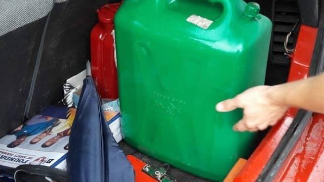 70 liter bensin – för 70 kronor. Foto: PRIVAT