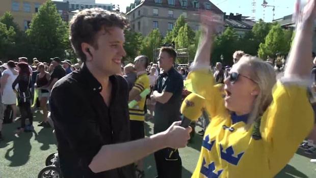 Svenska supporters samlade i Kungsträdgården