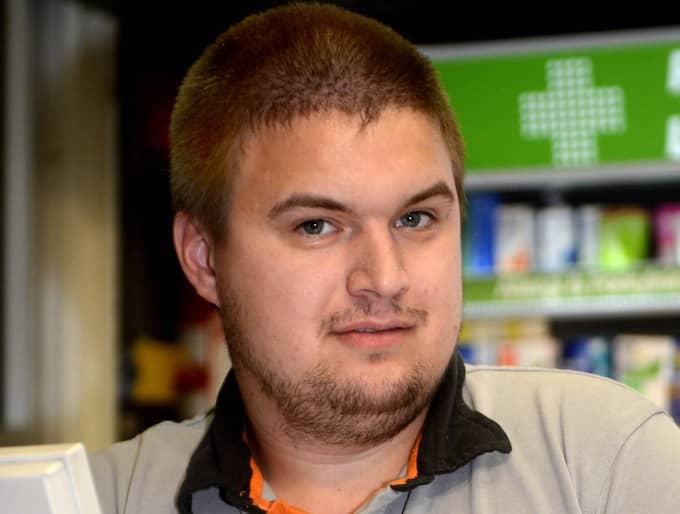 Michael Holm, 27 år, butiksbiträde, Haparanda - Jag tycker att det är bra att folk tar upp och får yttra sina åsikter. Det är en svår situation och det kan vara så att de känner att situationen är okontrollerbar.