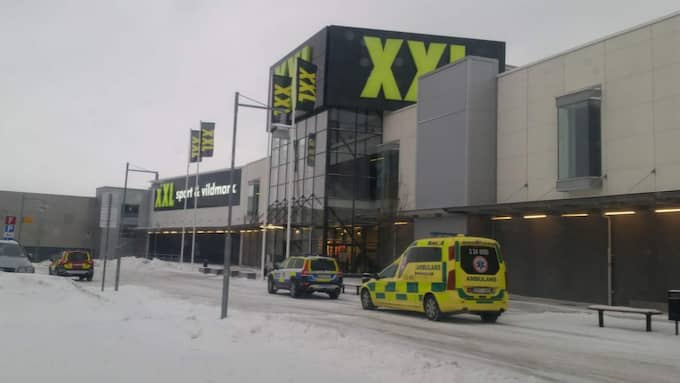 Hela Erikslunds shoppingcenter har evakuerats efter ett hot. Foto: David Sjöstrand