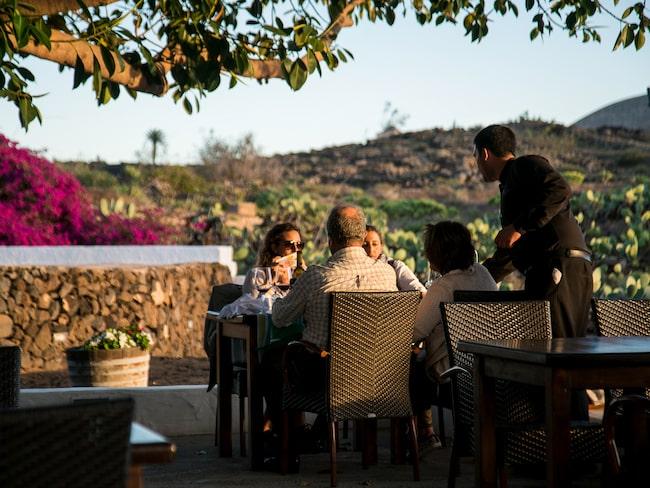 Vin och tapas på La Bodega de Santiago.