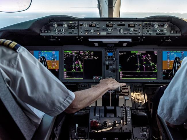 Nyligen spreds en bild av en sovande pilot på en långflygning mellan USA och Skottland.