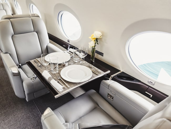Med enkla små medel kan du göra din flygresa extra lyxig.
