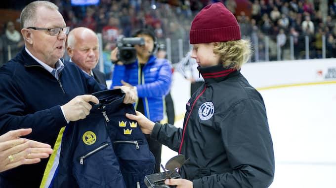 Adam Boqvist under tv-pucken. Foto: ROBBIN NORGREN / BILDBYRÅN