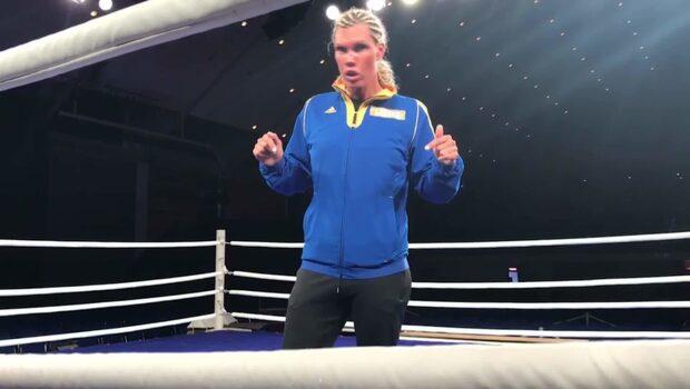 Ett slag räcker – Mikaela Laurén är självsäker inför supermötet
