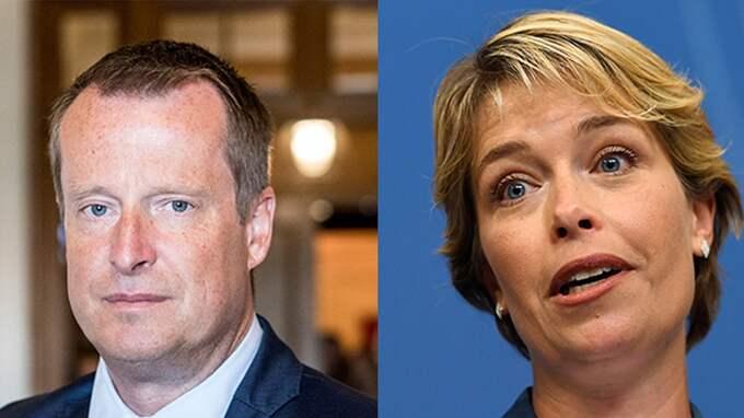 Sverigedemokraterna tar stora summor med den ena handen, och ger småpotatis tillbaka med den andra, skriver Anders Ygeman och Annika Strandhäll.
