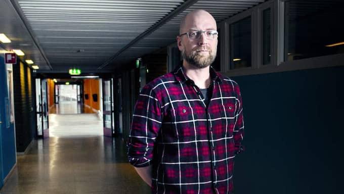 """""""I det tragiska läget är jag glad över att det är så få som har åkt till Syrien som har koppling till Angeredsgymnasiet."""", säger Patrick Gladh."""
