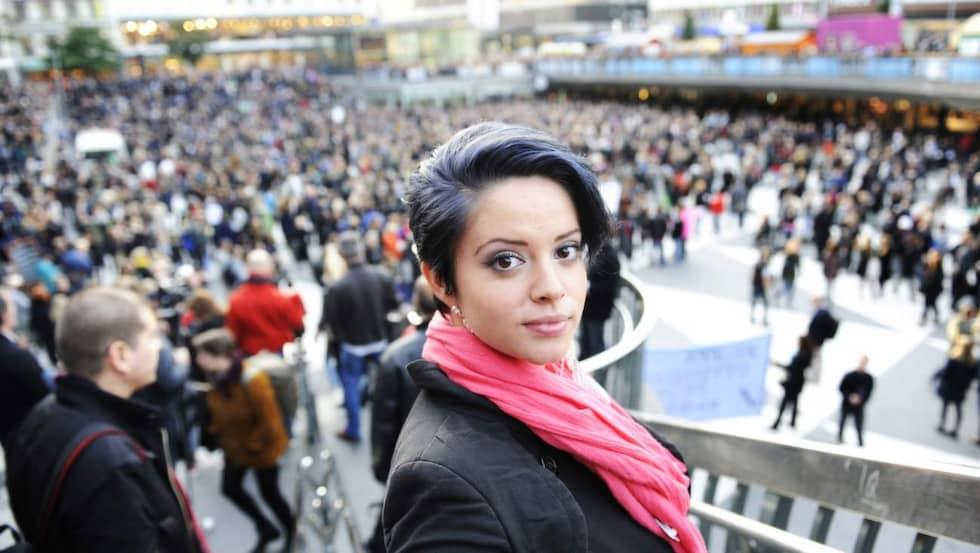 20 september 2010. Felicia Margineanus upprop på Facebook samlade 10 000 personer att demonstrera mot rasism på Sergels Torg. Foto: Anna-Lena Mattsson
