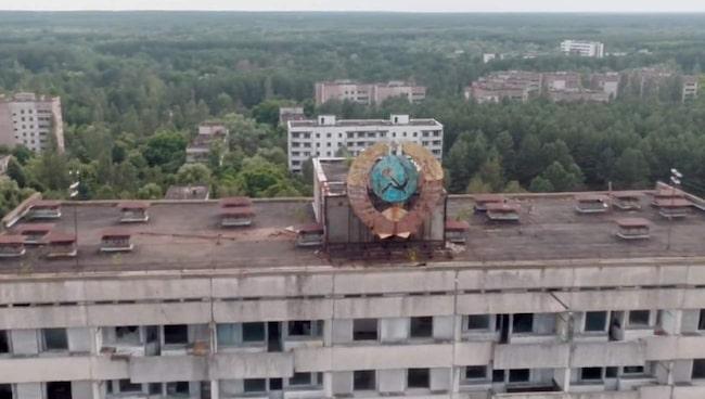 <span>Pripyat, som på 1980-talet hade över 50 000 invånare, är sedan 1986 folktom, så när på knappt 200 äldre personer som vägrade flytta i samband med olyckan.</span>