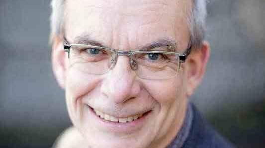 Ulf Olsson, professor i litteraturvetenskap och kritiker på Expressens kultursida. Foto: BJÖRN DALIN / STOCKHOLMS UNIVERSITET