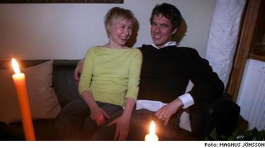 Tvivlar man på Oskar Olofssons, 35, tips är det bara att se till hans eget liv. Han var singel en månad innan boken gavs ut. Då träffade han sin nuvarande fästmö, Anne Suominen, 29, på krogen.