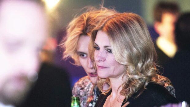 Cecilia visar öppet sin kärlek till FO&O-Oscar