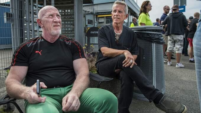 """Två hamnveteraner, Anders Björkroth och Kent """"Stålis"""" Ståhl. Foto: NORA LOREK"""