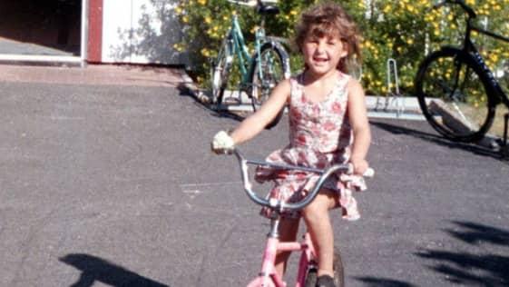 Polisen misstänker att Jasmina Jasharai, 6 år, blivit mördad.