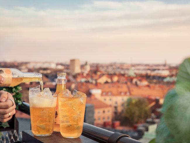 Njut en drink till synen av Stockholm från norra Vasastan.