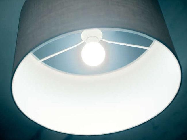Ett klick till på strömbrytaren och du har starkt ljus. Tre olika lägen finns.