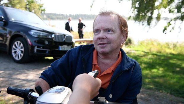 """Åkesson: """"Skadligt att propagera för segelbåt i stället för flyg"""""""