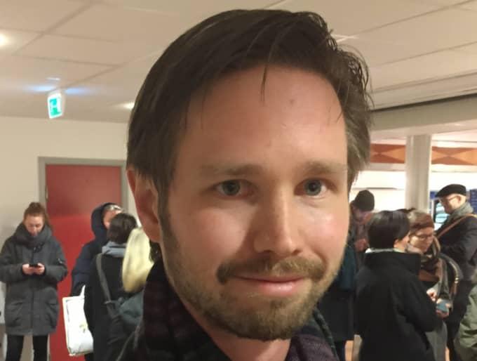 """Rasmus Ling, 31, riksdagsledamot """"Det har varit bra att kunna samla partiet efter den väldigt tunga hösten. Många har efterlyst att vi måste tillbaka som brobyggare i ett nytt politiskt landskap, det måste vi ta med oss. Vi vill så fort som möjligt återgå till en human flyktingpolitik. Om regeringen hanterar det här rätt är det en fantastisk möjlighet att få tillväxt i stora delar av landet."""""""