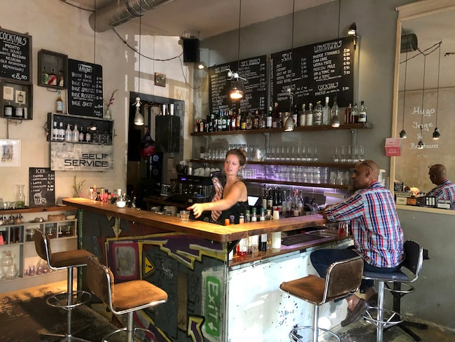 Kapitalist bar på Oderberger Strasse 2 är en typisk Berlinbar.