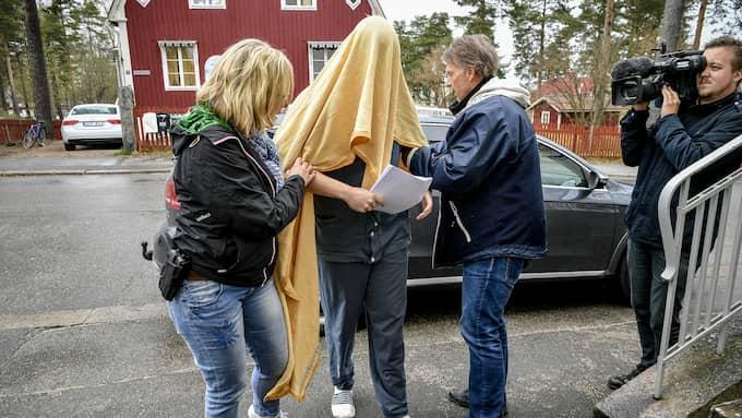 Tovas Expojkvän häktades under torsdagen. Foto: Alex Ljungdahl