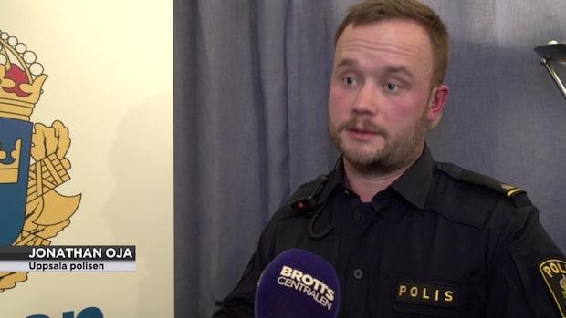 """Polisen Jonathan blev erbjuden sex: """"De frågar med hjälp av tecken"""""""