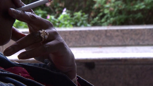 Nya tobakslagen kommer i sommar - blir förbjudet att röka på allmän plats