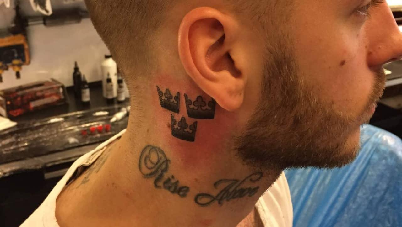 tatuering på halsen