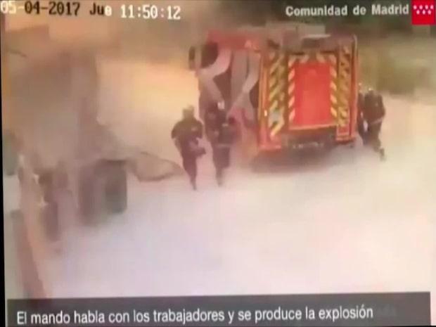 Brandmännen hinner inte reagera när det smäller