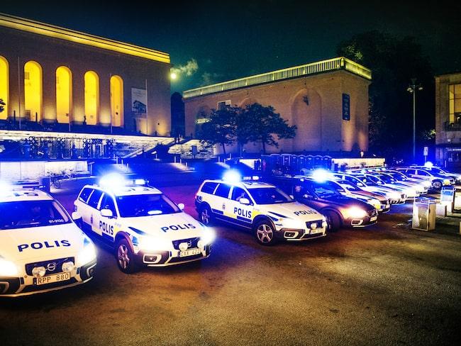 Förhoppningsvis behöver du aldrig se så här många polisbilar i backspegeln samtidigt.