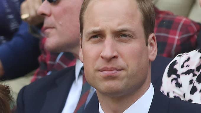 Prins William berättar nu om sorgen efter sin mamma. Foto: ROGER ALLEN