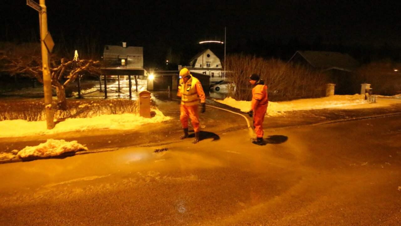 Köping utan vatten efter en stor läcka | Nyheter | Expressen