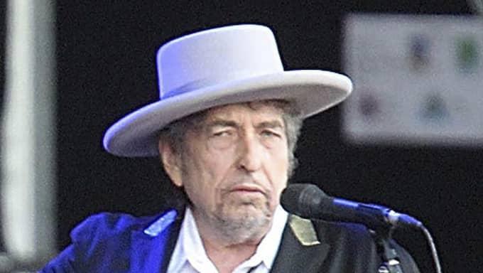 Till slut tog Bob Dylan upp telefonluren och ringde pp Svenska Akademiens Sara Danius. Foto: David Vincent / AP TT NYHETSBYRÅN