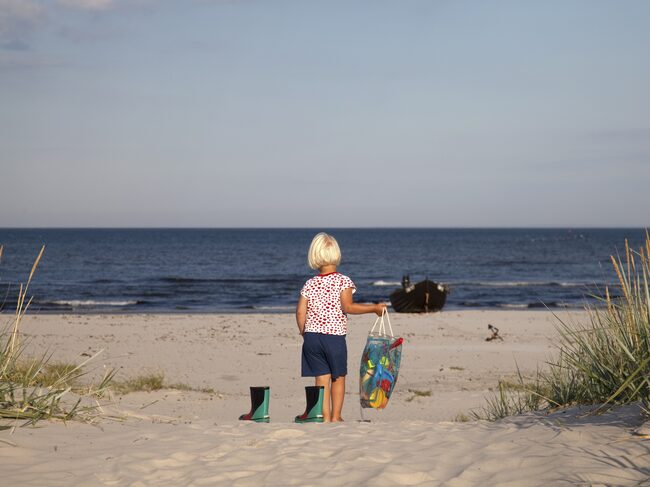 Fem svenska EU-bad har fått klassificeringen dålig badvattenkvalitet, fyra färre än förra året.