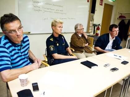 Polisen och räddningstjänsten höll presskonferens om den tragiska olyckan utanför Piteå. Foto: Olle Wande