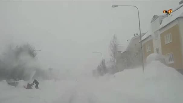 Snökaoset fortsätter i Norrland och sprider sig söderut ned över Upplandskusten där varning är utfärdad. Foto: Privat