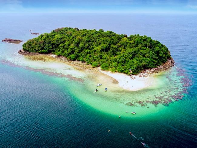 Koh Samets skärgård är ett bra alternativ för dig som vill besöka Thailand under sommaren.