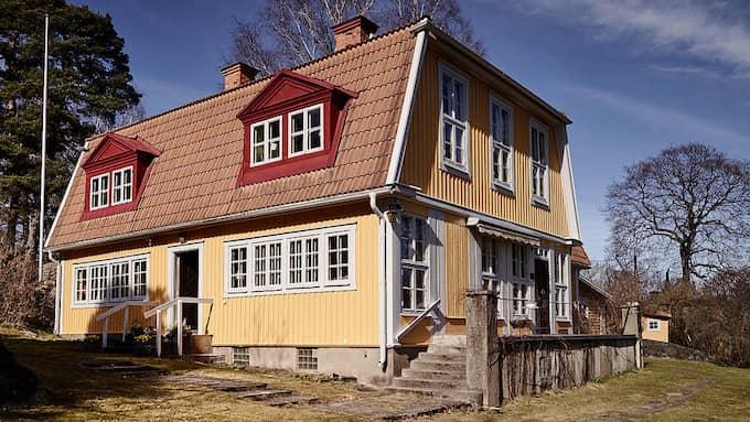 Villans äldsta delar är från 1700-talet och den fick sin nuvarande form på 1800-talet. Foto: Wrede Fastighetsmäkleri