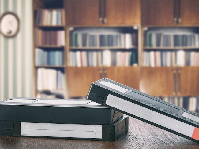 Tänk vad snygga saker man kan göra av gamla VHS-band. De ligger ju förmodligen ändå bara och skräpar.