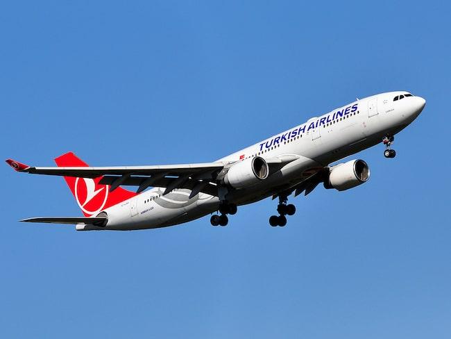 """""""Det lät som om en bomb exploderade"""", säger en av passagerarna på Turkish Airlines."""