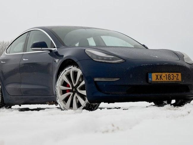 Första provkörningen av Tesla Model 3 på svensk mark – och slutbetyget blir strålande!