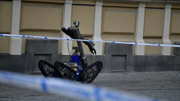 Bombrobot undersöker bankkontor