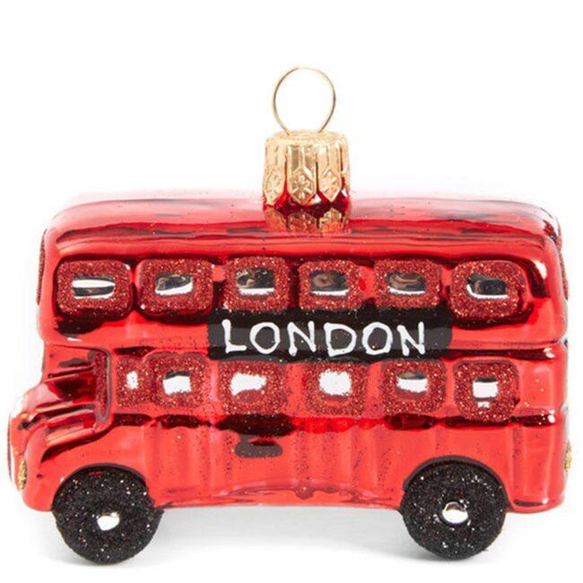 """""""Det är aldrig för tidigt att besöka vår julavdelning. Kom in butiken och hitta dina personliga favoriter bland dekorationer och pynt"""", skriver varuhuset Liberty i London."""