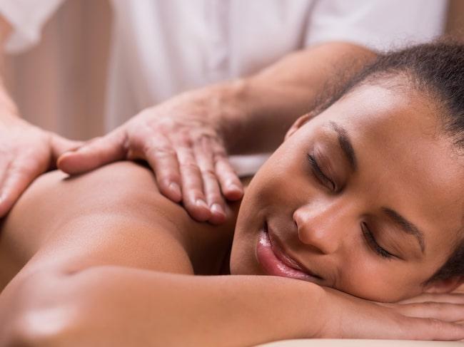 En massage kan göra gott för både kropp och knopp.