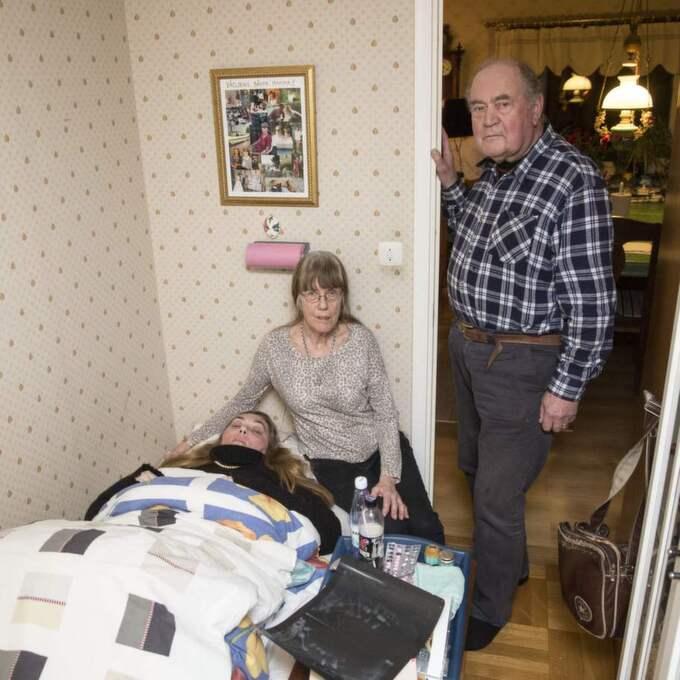 Nödlösning. Just nu bor Ulrika Björkén hemma hos mamma Lena och pappa Bengt Olsson som en tillfällig nödlösning. Foto: Ulf Ryd