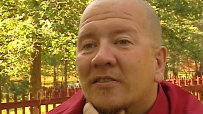 Juha Valjakkala, 50, är på rymmen sedan några veckor tillbaka.