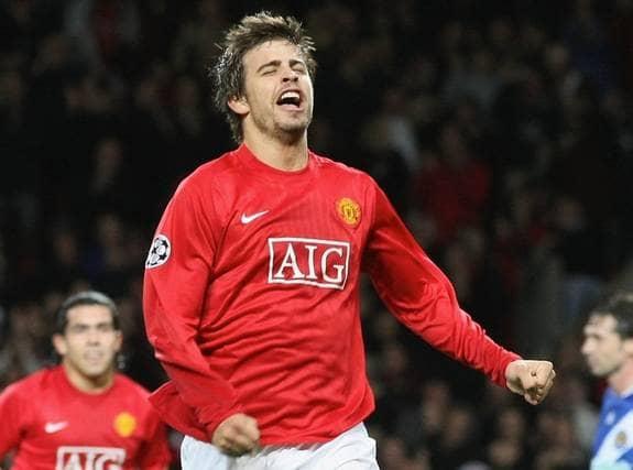 Gerard Pique i United-tröjan - snart ett minne blott. Foto: Getty Images